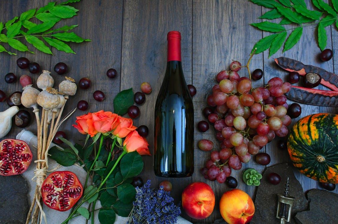 Винная шпаргалка: какие ароматы можно почувствовать в вине?